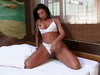 insensible to wazoo tranny Valerya Pacheco Uses insensible to fucking fake penis