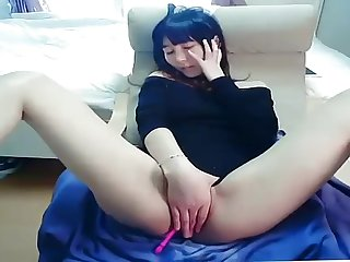 Japanese pleasuring herself on cam